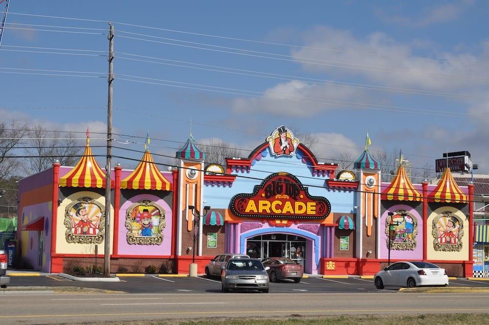 big top arcade pigeon forge